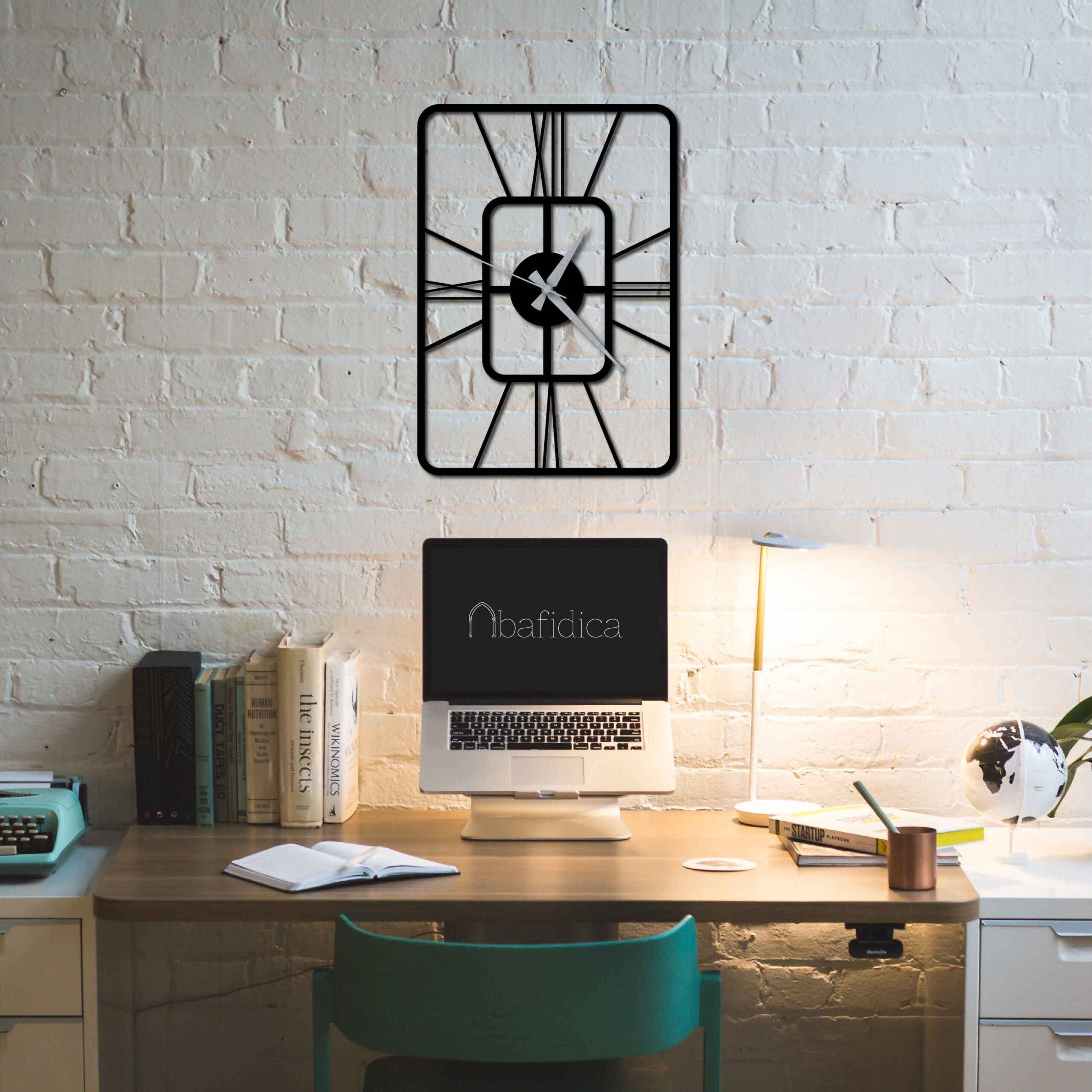 Oblong – Metal Wall Clock