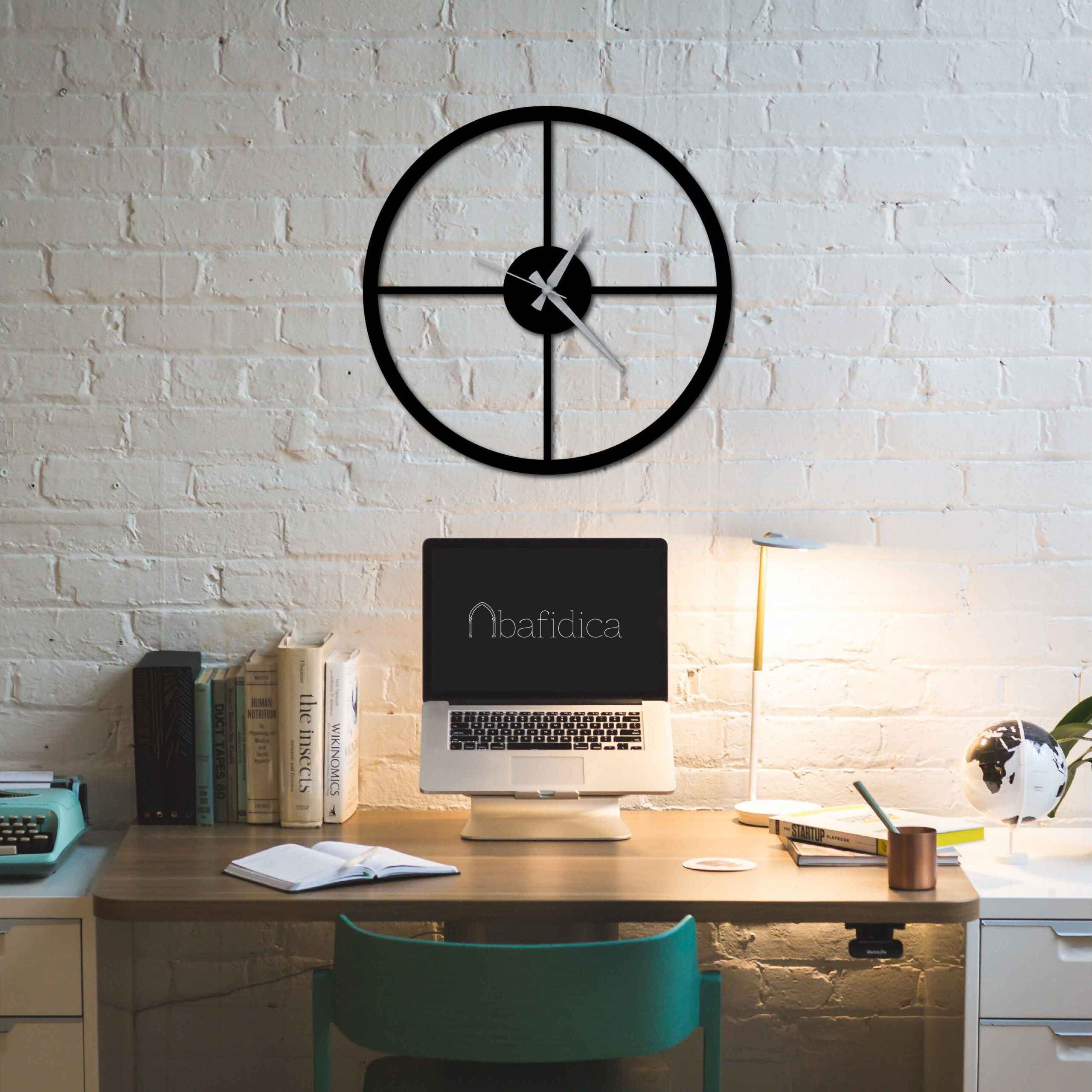 Minimal – Metal Wall Clock