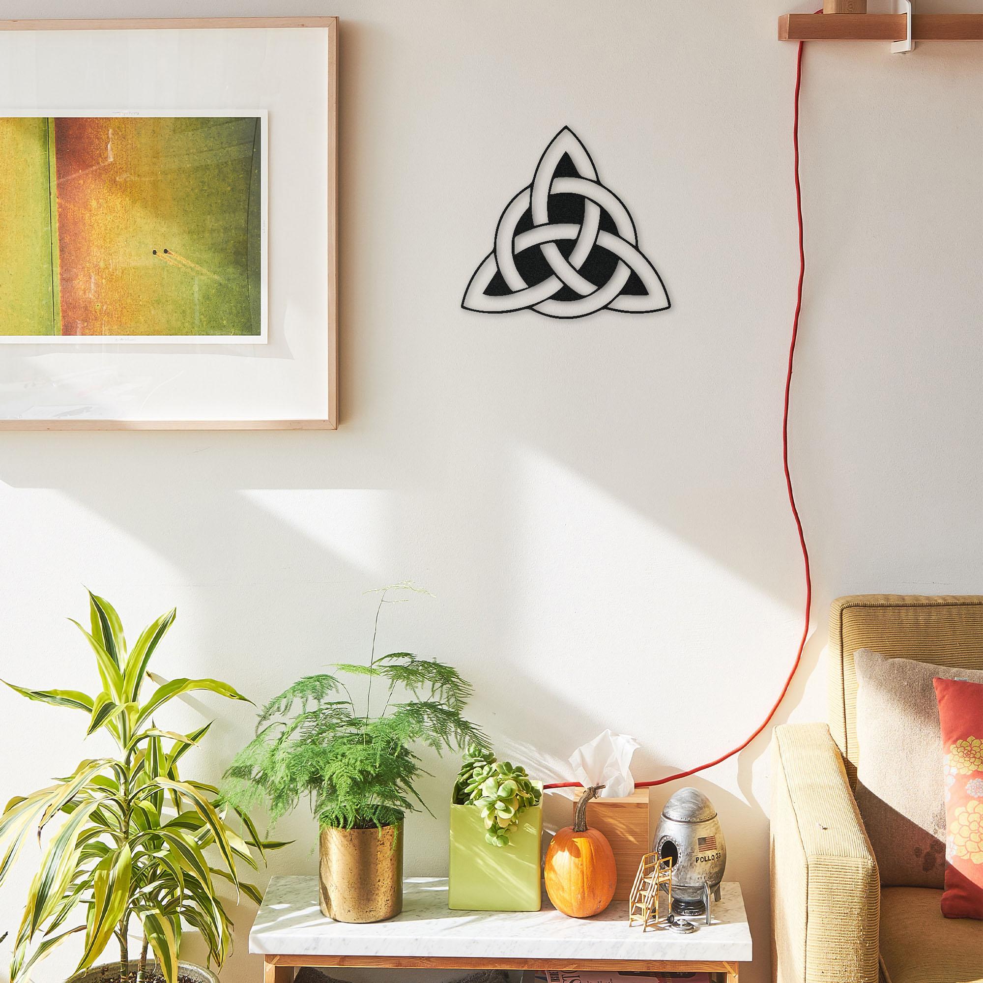 Trinity Knot I – Mini Metal Wall Art